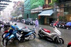 mẹo phòng và xử lý khi lái xe qua đoạn ngập nước