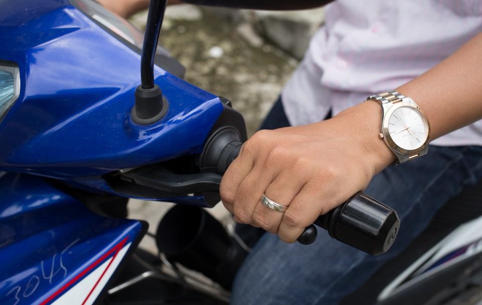 hướng dẫn lái xe côn tay chi tiết