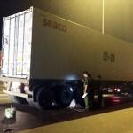 Né chốt CA, 2 thanh niên lái xe máy tử vong dưới bánh xe ô tô tải container