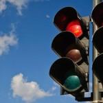 Những điều cần tránh khi lái xe ô tô số sàn