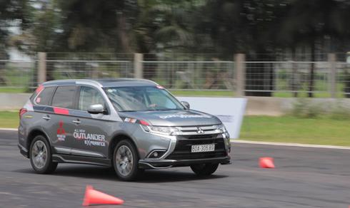[Honda CR-V] Xe SUV giá một tỷ - lựa chọn mới của người Việt 3738