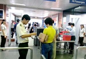 Nữ sinh 19 tuổi giả mạo giấy tờ để được đi máy bay giá rẻ