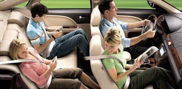 Thắt dây an toàn ngay cả khi ngồi phía sau xe