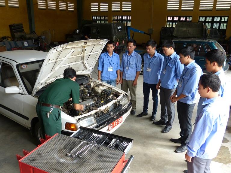 dạy lái xe cho bộ đội suất ngũ tại tphcm