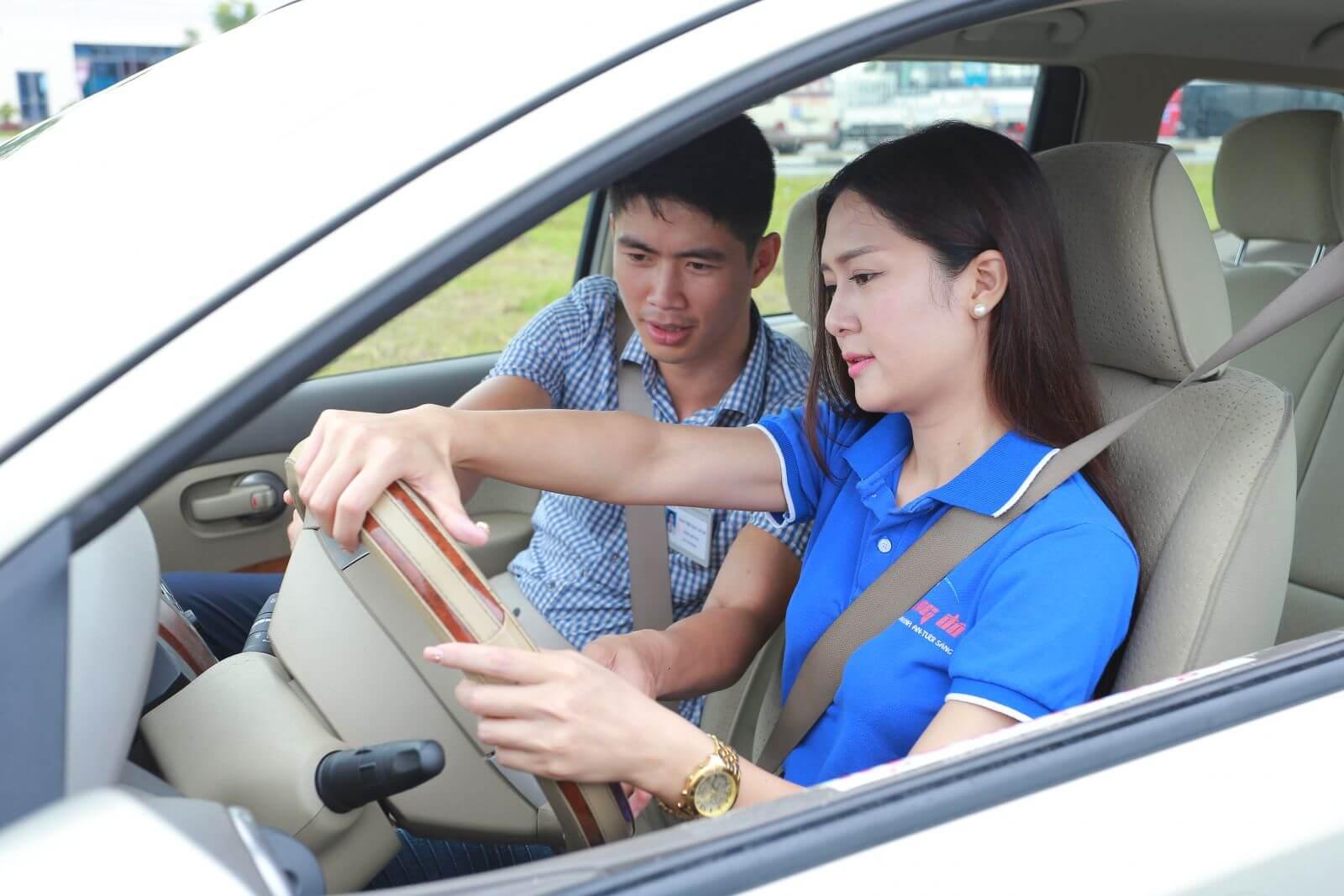 Cho Thuê Xe Bổ Túc Tay Lái Quận Phú Nhuận